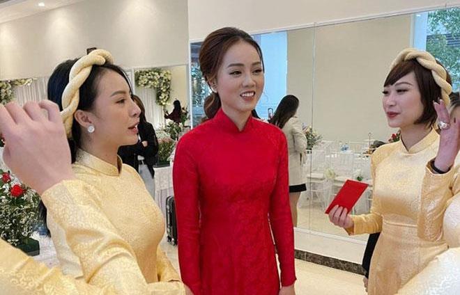 Cô dâu của NSND Công Lý rạng rỡ trong lễ ăn hỏi