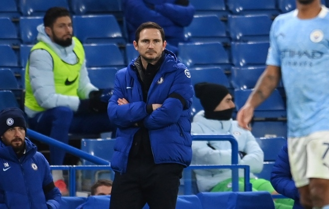 chelsea toang tren san nha truoc man city ghe lampard lung lay