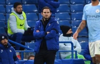 """Chelsea """"toang"""" trên sân nhà trước Man City, ghế Lampard lung lay"""
