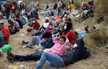Đoàn người di cư đổ tới Mỹ sát ngày Tổng thống đắc cử Joe Biden nhậm chức