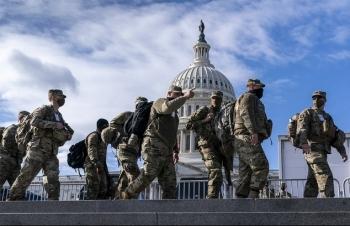 Vệ binh Quốc gia bám trụ Washington tới phiên tòa luận tội Trump