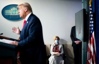 "Cố vấn y tế nói Trump ""sai lầm khi xử lý Covid-19"""