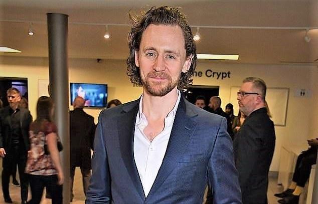 loki tom hiddleston xuong sac tham hai rau ria xom xoam kho nhan ra