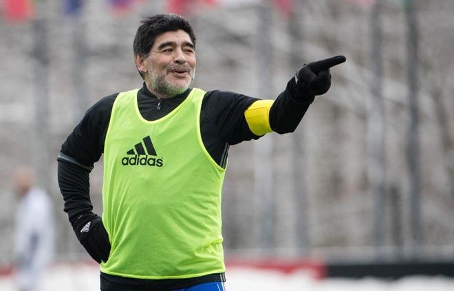 diego maradona chi trich messi va dong doi sau tran thua cua argentina
