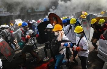 Thêm 6 người biểu tình Myanmar bị bắn chết