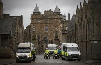 Phát hiện vật nghi là bom tại cung điện Nữ hoàng Anh