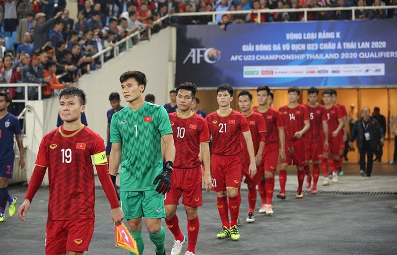 thay park goi gan 100 cau thu cho vong loai world cup va sea games