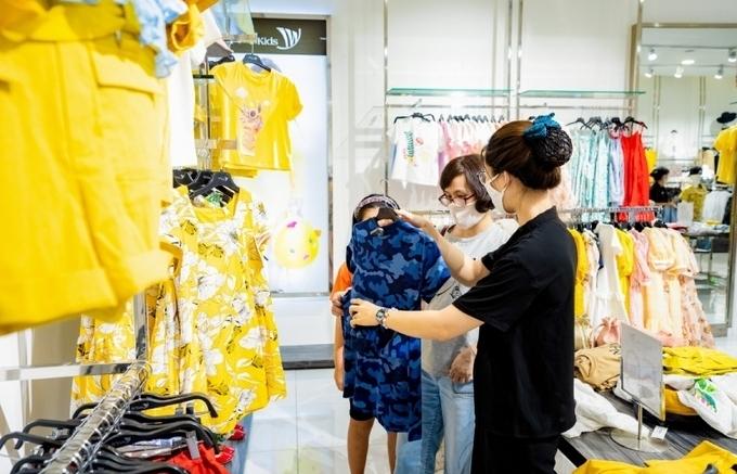 Vincom chi 80 tỷ đồng tặng voucher cho khách mua sắm