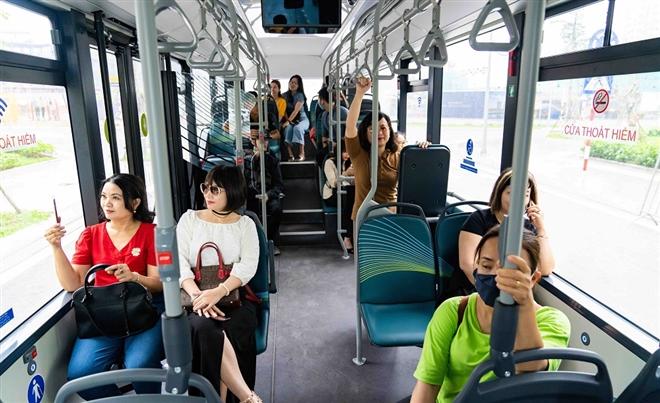 Háo hức khám phá xe buýt điện đầu tiên tại Việt Nam với trải nghiệm 'cực chất' - 8