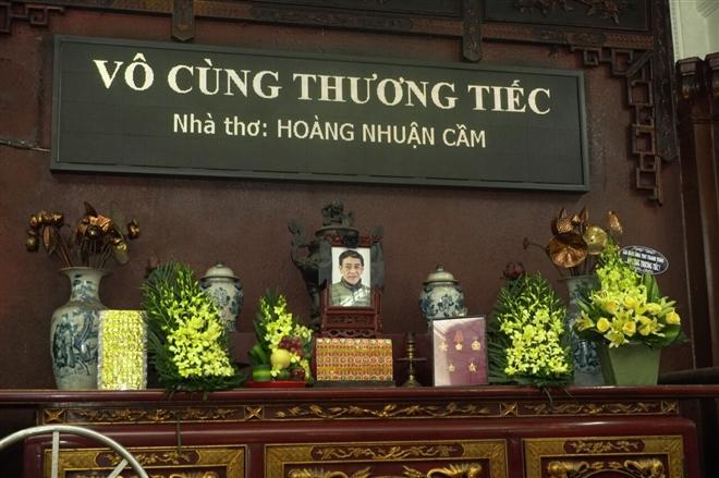 Người thân và đồng nghiệp tiễn đưa nhà thơ Hoàng Nhuận Cầm - 1