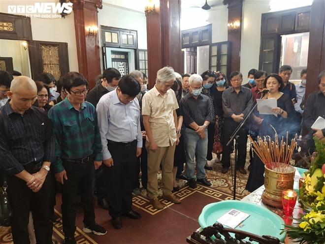 Người thân và đồng nghiệp tiễn đưa nhà thơ Hoàng Nhuận Cầm - 6