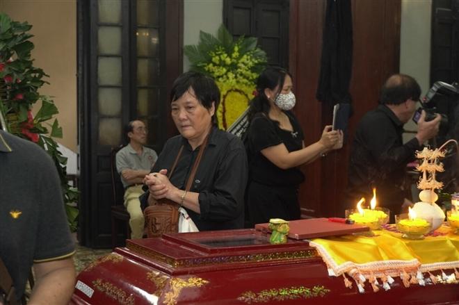 Người thân và đồng nghiệp tiễn đưa nhà thơ Hoàng Nhuận Cầm - 4