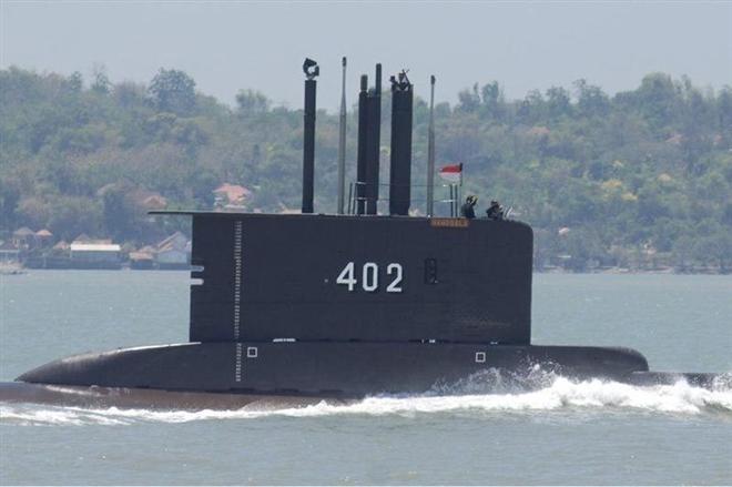 Đã tìm thấy mảnh vỡ tàu ngầm Indonesia mất tích - 1