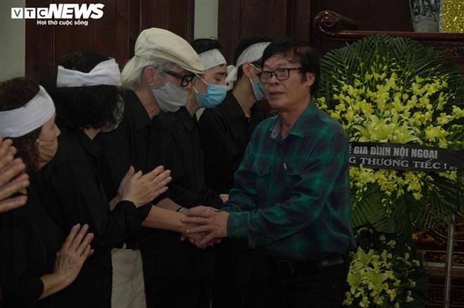 Người thân và đồng nghiệp tiễn đưa nhà thơ Hoàng Nhuận Cầm - 5