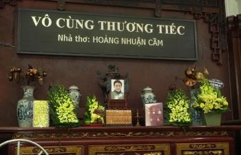 Người thân và đồng nghiệp tiễn đưa nhà thơ Hoàng Nhuận Cầm