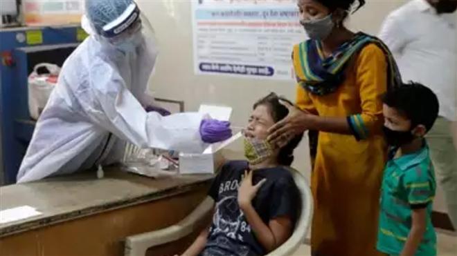 Thảm kịch COVID-19 ở Ấn Độ: 'Hãy giúp cha tôi chết được không?' - 4