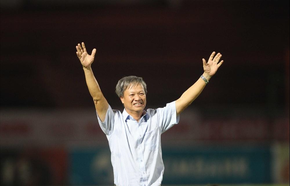 Tự truyện Công Vinh tiết lộ sốc về HLV Lê Thuỵ Hải