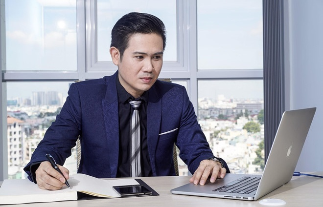 ceo asanzo tu nguoi bung pho tai hang den ong chu hang tv trieu do