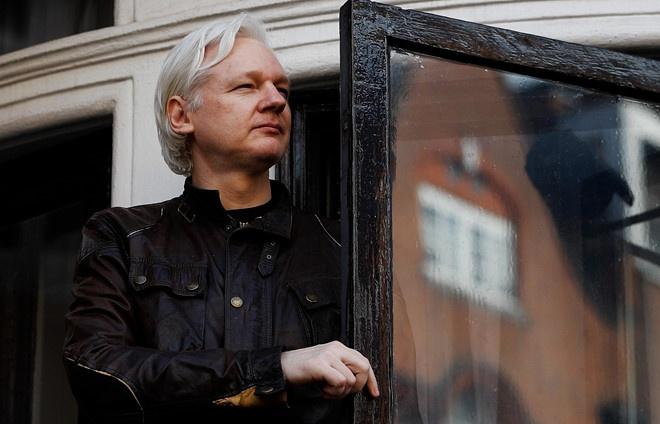 thuy dien mo lai vu an nha sang lap wikileaks bi cao buoc hiep dam
