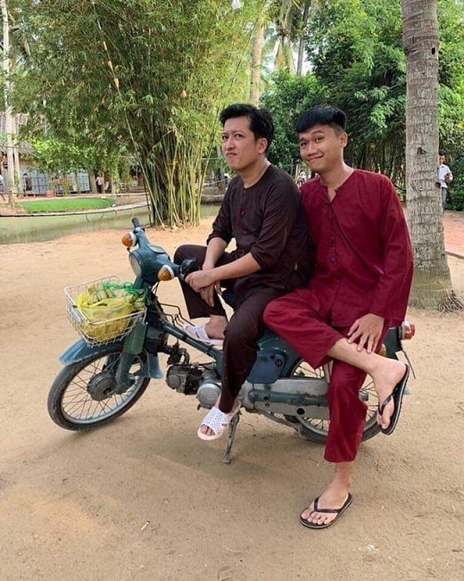co nha lau xe hoi nhung 4 mc dat show nhat hien nay lai song trai nguoc the nay