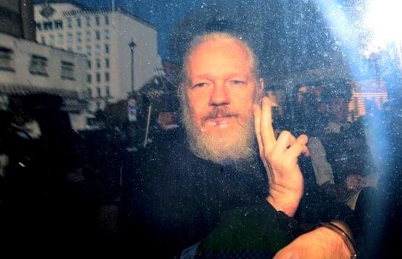 nha sang lap wikileaks doi mat muc an len toi 175 nam tu tai my