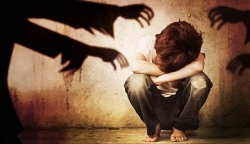 Những hình phạt khủng khiếp trên thế giới dành cho tội ấu dâm