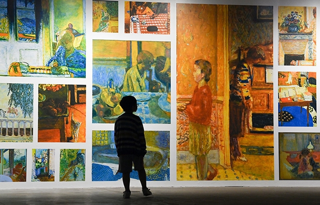 """""""Ngoài"""" và """"trong"""" ở triển lãm của Claude Monet và Pierre Bonnaer tại VCCA"""