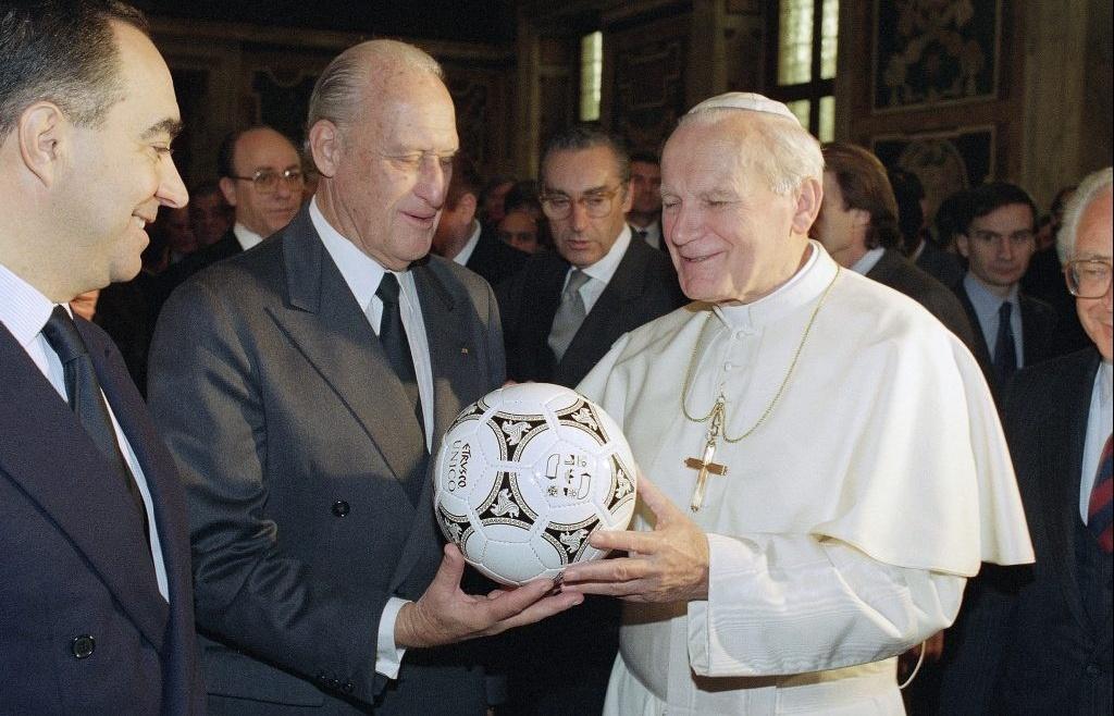 co che ban quyen world cup cua fifa da thay doi ra sao