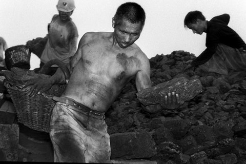 ky uc ve cuoc muu sinh nguy hiem quanh bai thai than o binh dinh son