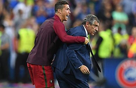 hlv bo dao nha ronaldo dam toi khi vo dich euro 2016