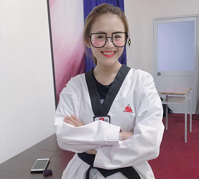 hot girl lam dong dat dai den taekwondo me bong da nghe thuat