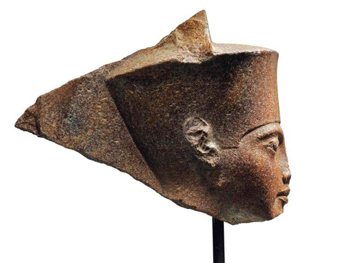 ai cap doi anh tra lai tuong pharaoh 3300 nam tuoi nghi bi danh cap