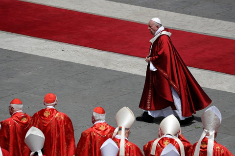 vatican xem xet ba t de n xanh cho dan ong da lay vo lam linh muc