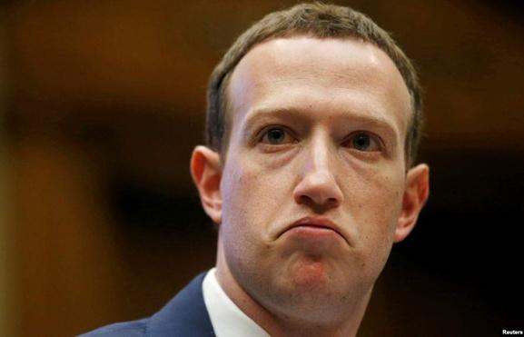 ngay ca nhan vien facebook cung khong con tin mark zuckerberg nua