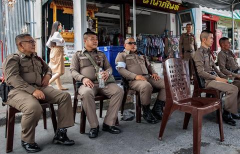 bang dang xe om o bangkok do mau trong cuoc chien tranh gianh dia ban