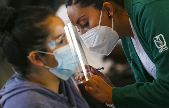 Hàng loạt vaccine Trung Quốc chờ WHO phê duyệt