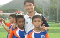 Huấn luyện viên Thái Lan bị kẹt trong hang từng mất cả gia đình