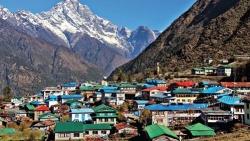 Sân bay nguy hiểm nhất thế giới trên dãy Himalaya