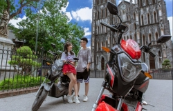 """VinFast tặng 50.000 pin xe máy điện cho học sinh - chung tay """"Kiến tạo tương lai xanh"""""""