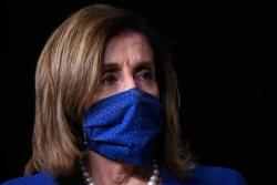 Hạ viện Mỹ yêu cầu đeo khẩu trang bắt buộc