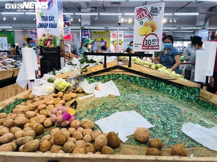 Người Sài Gòn lại đổ xô đi siêu thị, xếp hàng chờ thanh toán cả tiếng đồng hồ - 9