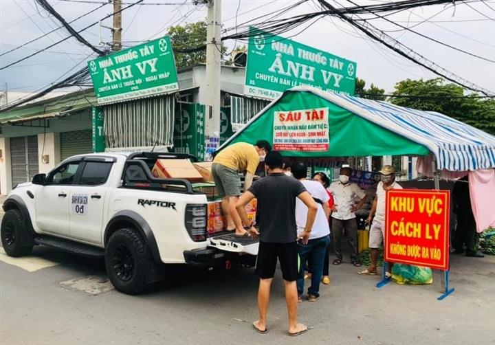 Xe 'Bánh mì 0 đồng' rong ruổi khắp Sài Gòn những ngày chống dịch - 4