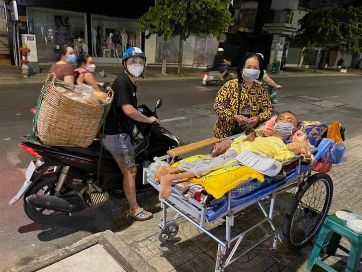 Xe 'Bánh mì 0 đồng' rong ruổi khắp Sài Gòn những ngày chống dịch - 6