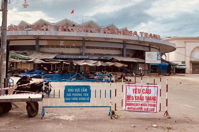 Khánh Hòa đóng nhiều chợ truyền thống, người dân TP Nha Trang sẽ mua hàng online - 1