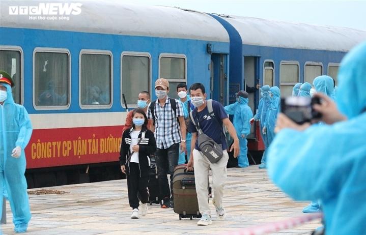 Cô gái từ chuyến tàu SE14 về Hà Tĩnh dương tính SARS-CoV-2