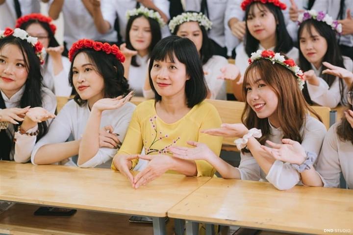 45 học sinh cùng lớp ở Hà Nội được tuyển thẳng đại học - 1