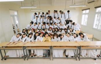 45 học sinh cùng lớp ở Hà Nội được tuyển thẳng đại học