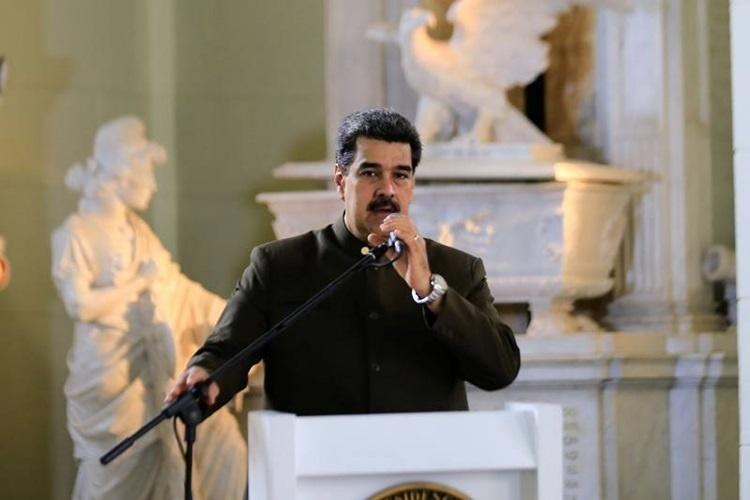 trump muon phong toa venezuela maduro phan doi