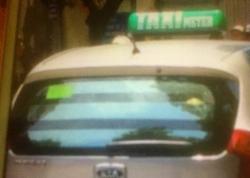 tai xe taxi thu khach tay 800000 dong cho chuyen xe 2 km