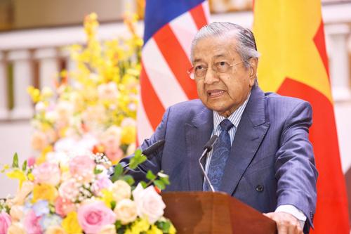 Thủ tướng Malaysia lên án các nước lớn bất tuân luật quốc tế
